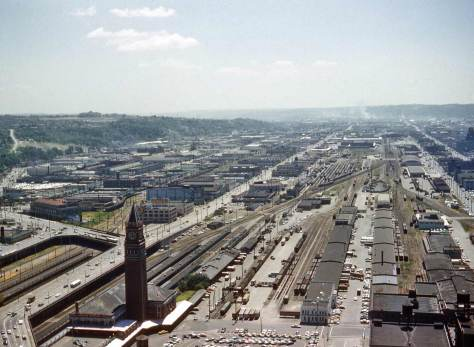 """Lawton Gowey took this 1961 view and the two that follow, from 1971 and '76.  Note that the Seattle-Tacoma 1-5 Freeway has as yet """"upset"""" the Beacon Hill greenbelt."""