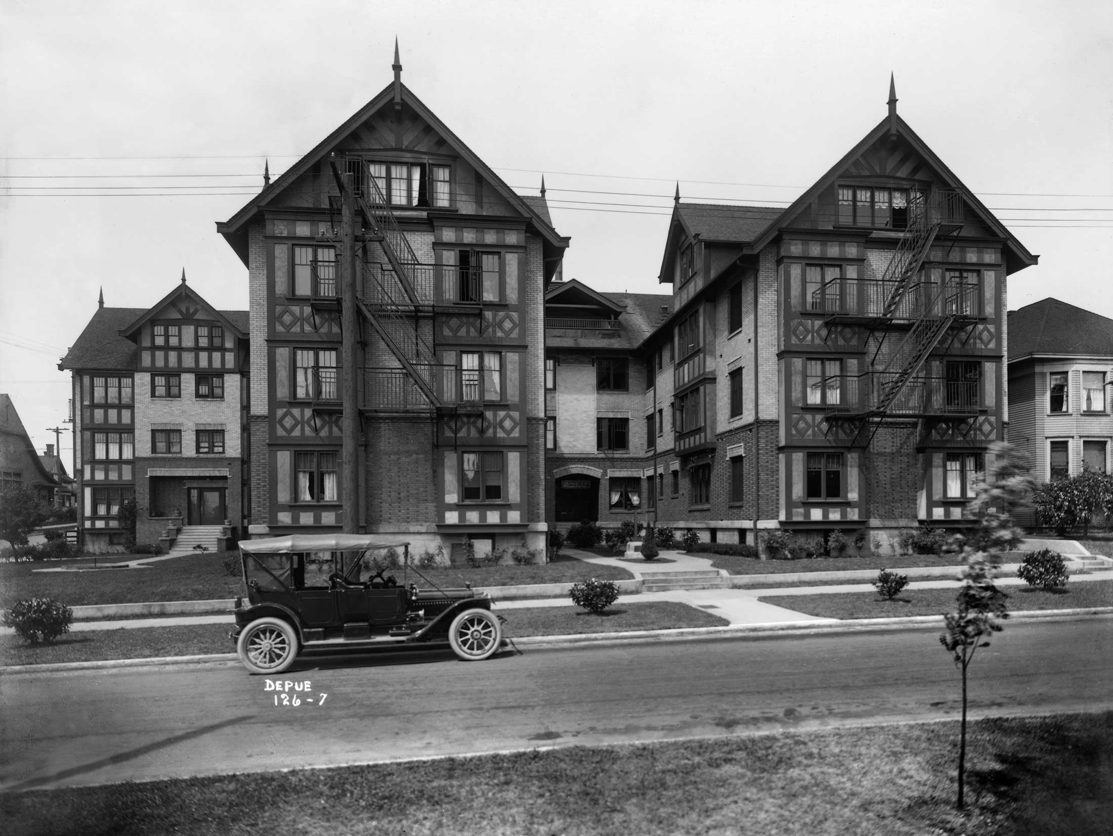 Seattle Now U0026 Then: The Gables Apartments On Capitol Hill