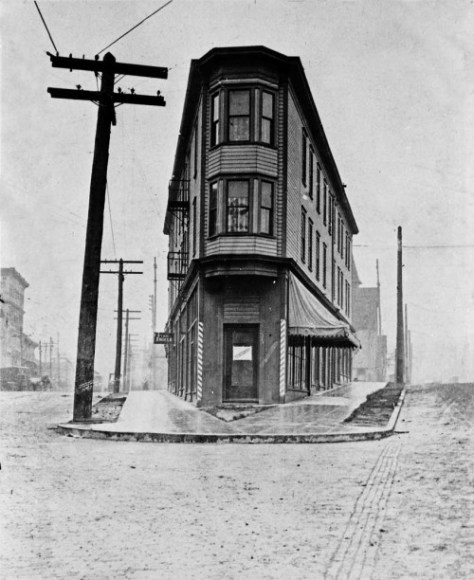 The flatiron block bordered by Olive on the right, Howell on the left, 9th Ave. to the rear, and 8th to the rear of the municipal photographer. (Courtesy, Municipal Archive)