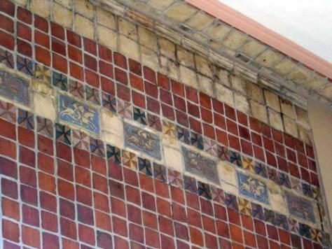 Zinborn-entrance-tiled-by-D.James-No.-2WEB
