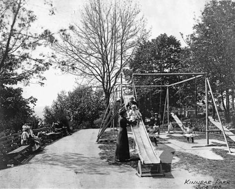 Kinnear Park Playground, June 1913.  (Courtesy, Seattle Municipal Archive)