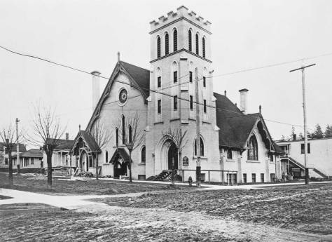 University Congregational Church at the northeast corner of Brooklyn Ave. and 43rd Street.