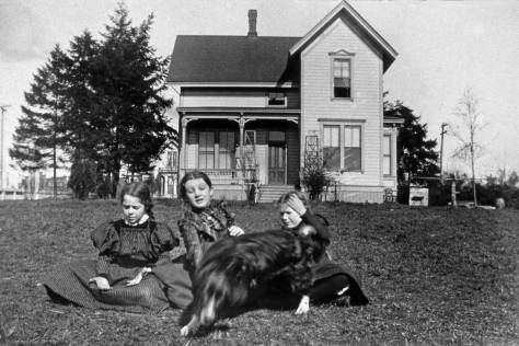 The Campbell home at the southwest corner of James (on the left) and Minor (behind it).