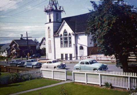 Looking across Latona to the Bethany Lutheran sanctuary.  Given the vintage of the cars of the street, could these repairs on the steeple have something to do with the 1949 quake?