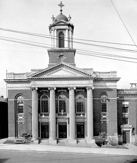 An early full-face frontal of the Plymouth Sanctuary at the southwest corner of 6th Avenue and University Street.
