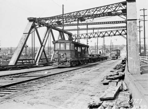 clip-Ballard-Bridge-5-31-39-removing-trollley-tracls THEN-web