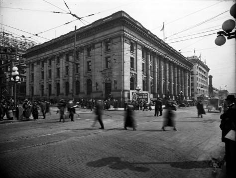 Looking southeast thru the Union Street and Third Avenue intersection at the about six-year-old Federal Post Office.