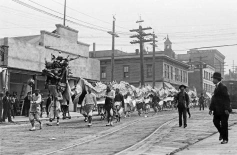 Compare this 1909 parade looking south on Fifth towards Pine Street with the one above it - if you like.