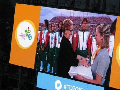 Premier Wynne handing out medals