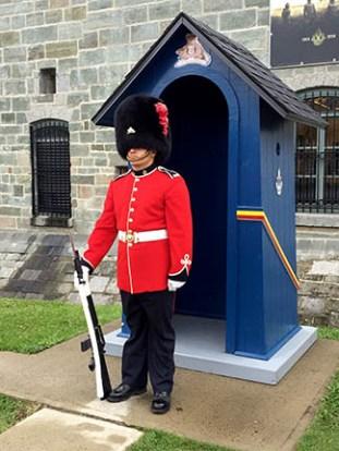 Royal 22e Regiment of Canada: On Guard
