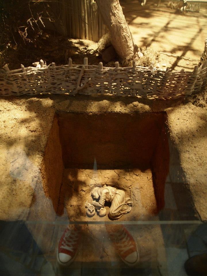 Enterramiento antiguo en el Museo Arqueológico de Poznan