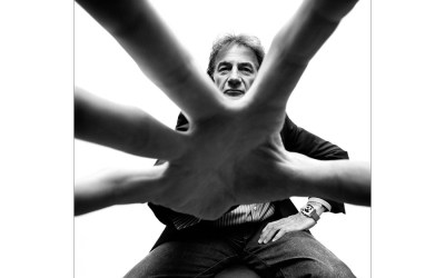The magic of hands in a photographic portrait