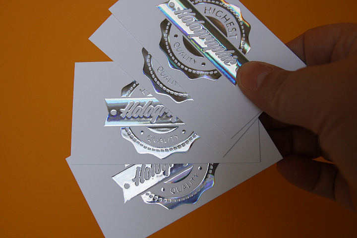 The holographic business card photographer paulina fadrowska the holographic business card colourmoves