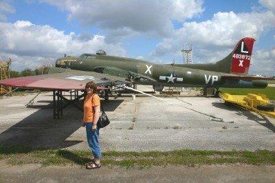 Pauline outside a B-17