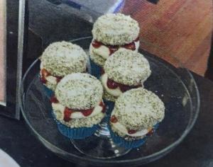 Lamington cupcakes