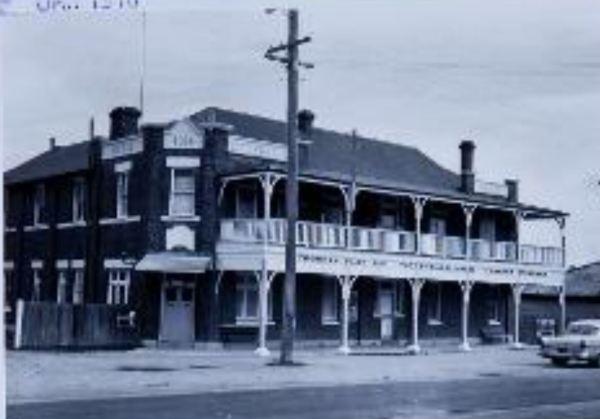 Tattersalls Hotel Emmaville