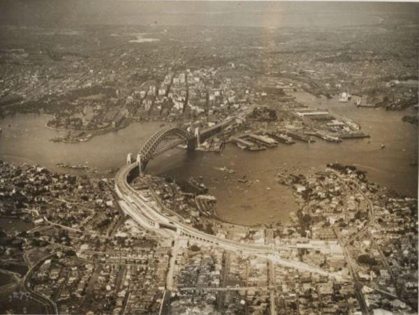 Sydney 1932 Wikimedia)