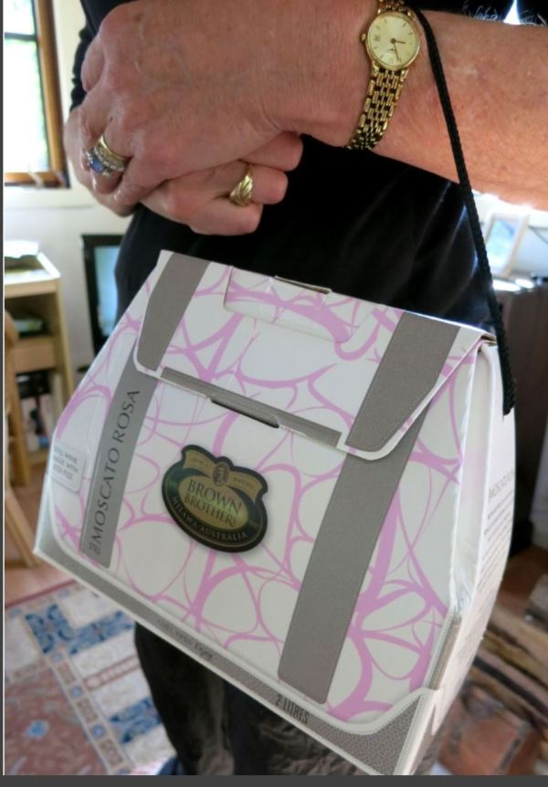 Wine box handbag