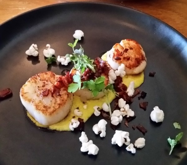 Scallop and corn puree entree