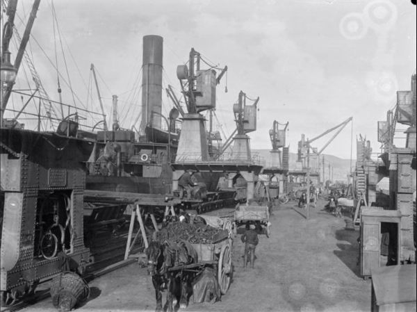 Wellington Wharves 1900 (Alexander Turnbull Library)