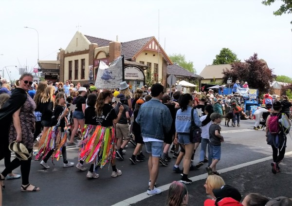Parade at the Blackheath Rhododendron Festival