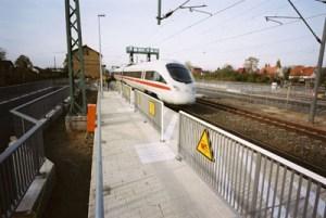 ICE in Paulinenaue; © Bilddatenbank der Deutschen Bahn