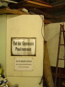 Sammeln und Bewahren. In Wolfgang Arndts Werkstatt haben alte Schilder ein neues Zuhause gefunden.