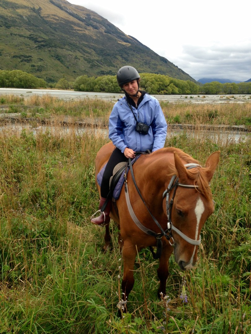 Horseback riding in Queenstown with PaulineTravels