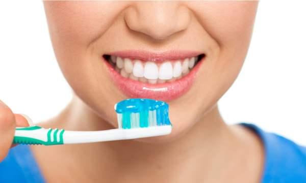 kesalahan menyikat gigi yang paling umum