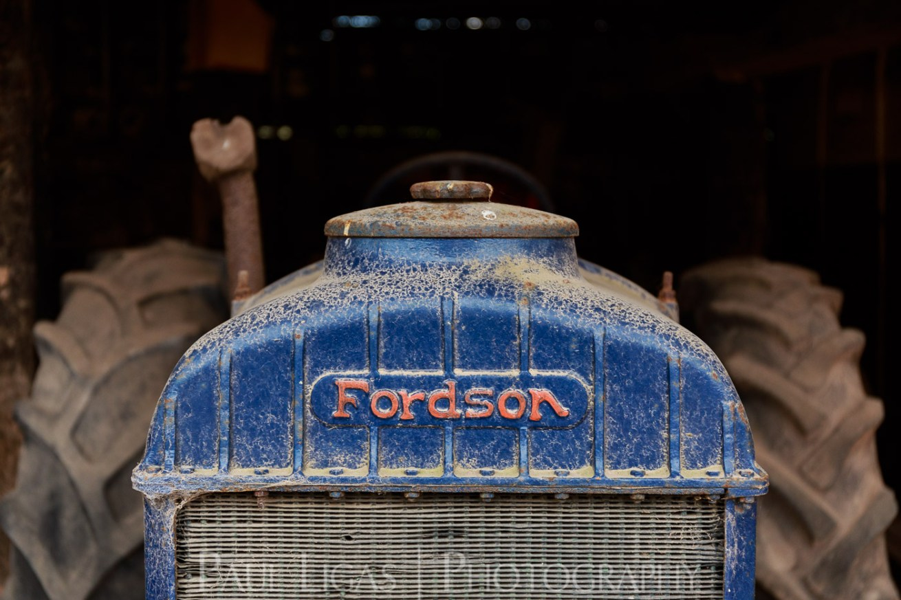 Townend Hop Farm, Herefordshire agriculture farming photographer photography old fordson tractor 7536
