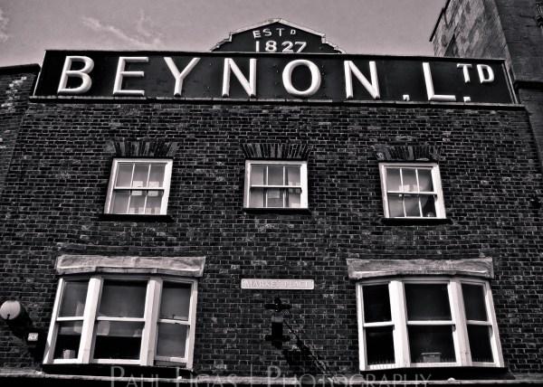 Looking Up, Newbury, fine art photographer urban photography herefordshire