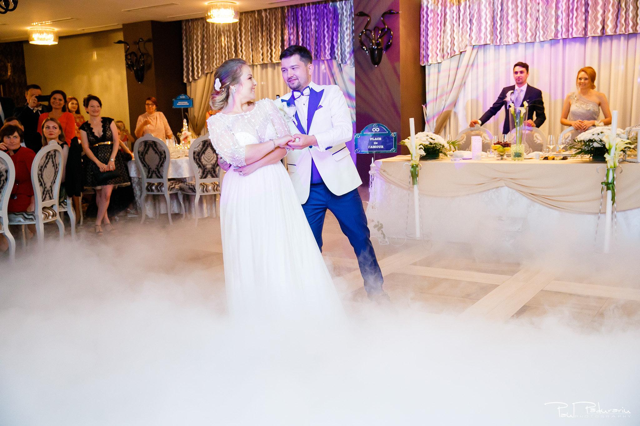 Petrecere la Pleaiada nunta Ema si Tudor fotograf profesionist de nunta iasi www.paulpadurariu.ro © 2017 Paul Padurariu dansul mirilor