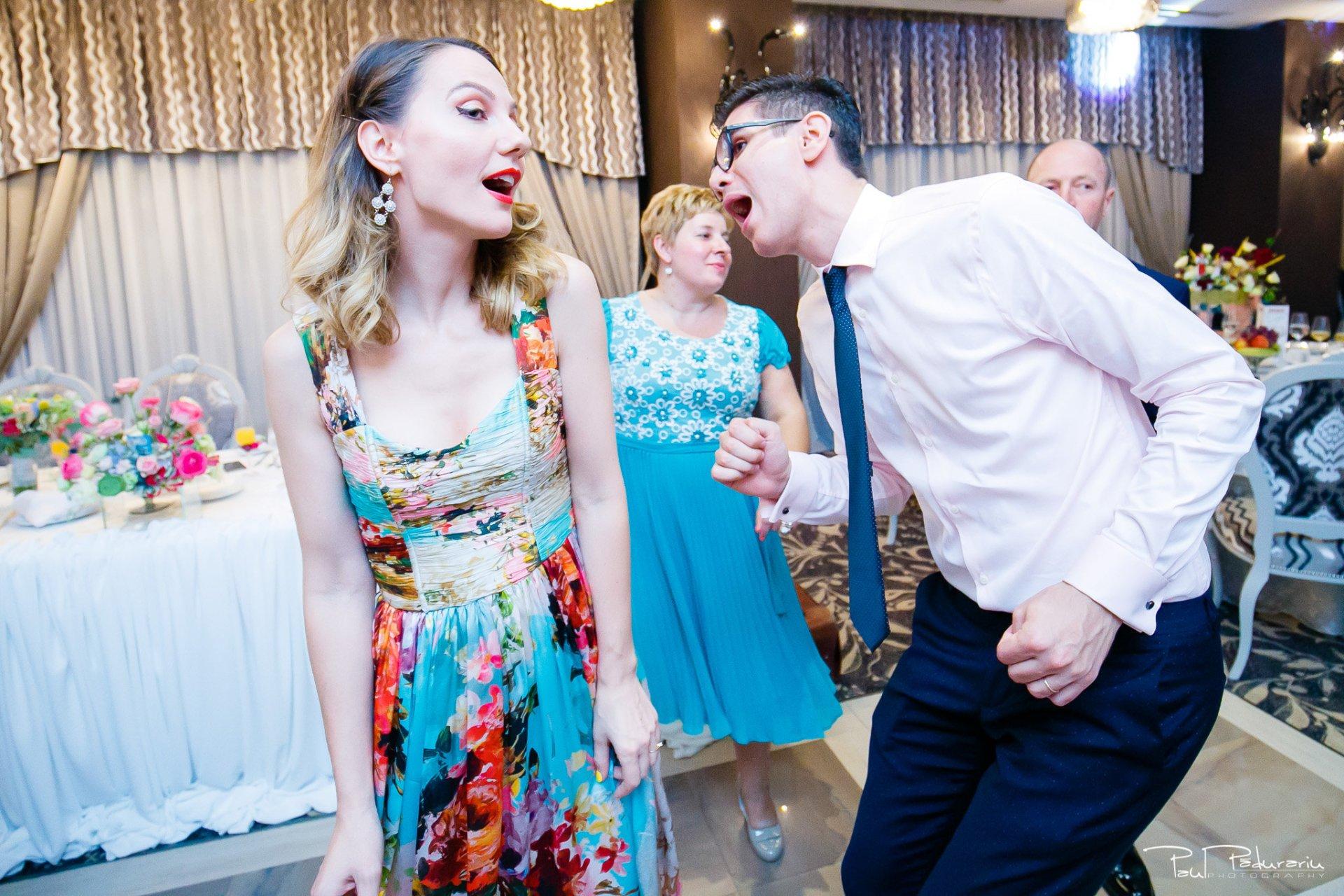 Nunta la Pleiada Iasi Alexandra si Vlad dans invitati petrecere 4 www.paulpadurariu.ro © 2017 Paul Padurariu fotograf de nunta iasi