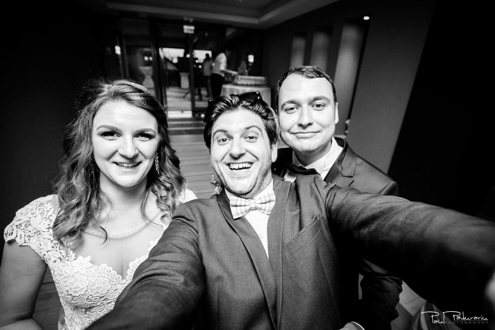 Nunta la Pleiada Iasi Alexandra si Vlad selfie www.paulpadurariu.ro © 2017 Paul Padurariu fotograf de nunta iasi