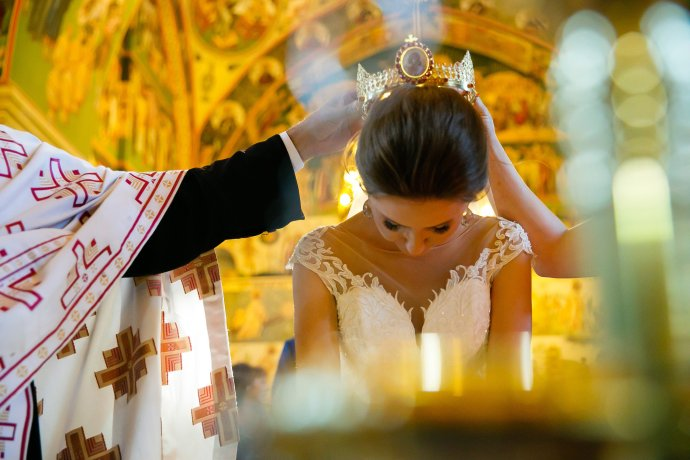 Loredana si Ciprian Nunta Iasi cununie religioasa Biserica Sf. Sava fotograf nunta Iasi cadre biserica www.paulpadurariu.ro © 2017 Paul Padurariu