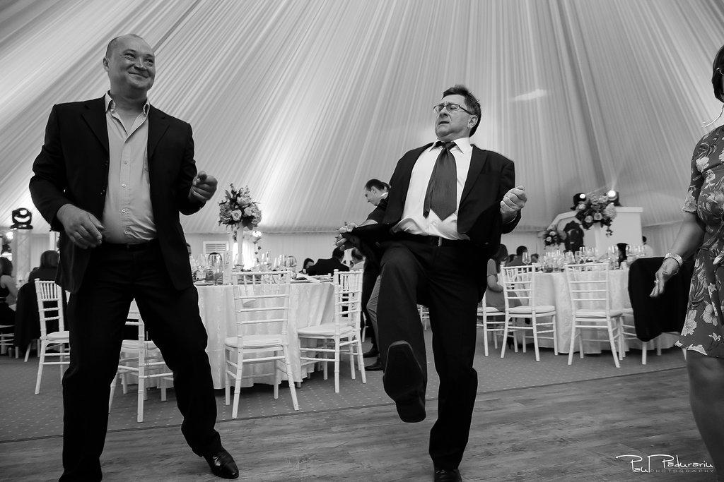 Ioana si Adi nuntă la Elysium Iași petrecere www.paulpadurariu.ro fotograf profesionist de nunta Iasi Paul Padurariu 12