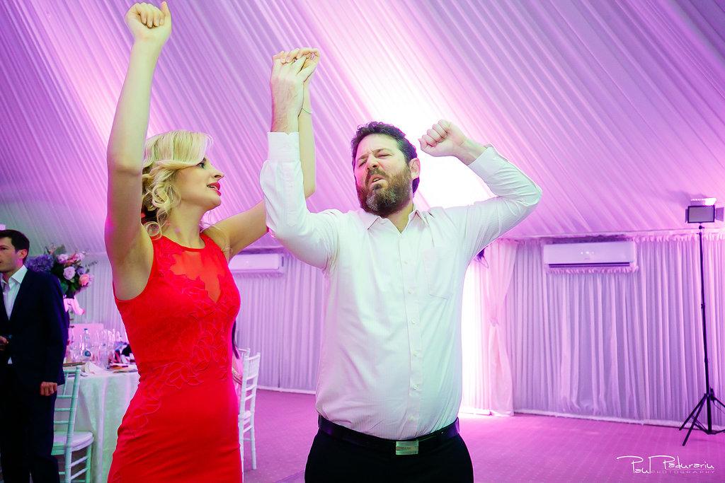 Ioana si Adi nuntă la Elysium Iași petrecere www.paulpadurariu.ro fotograf profesionist de nunta Iasi Paul Padurariu 14