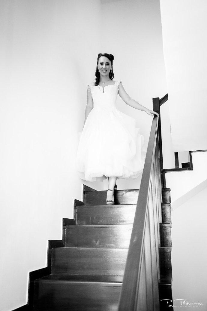 Ioana si Adi nuntă Elysium Iași imbracat mireasa www.paulpadurariu.ro fotograf nunta Iasi Paul Padurariu 6