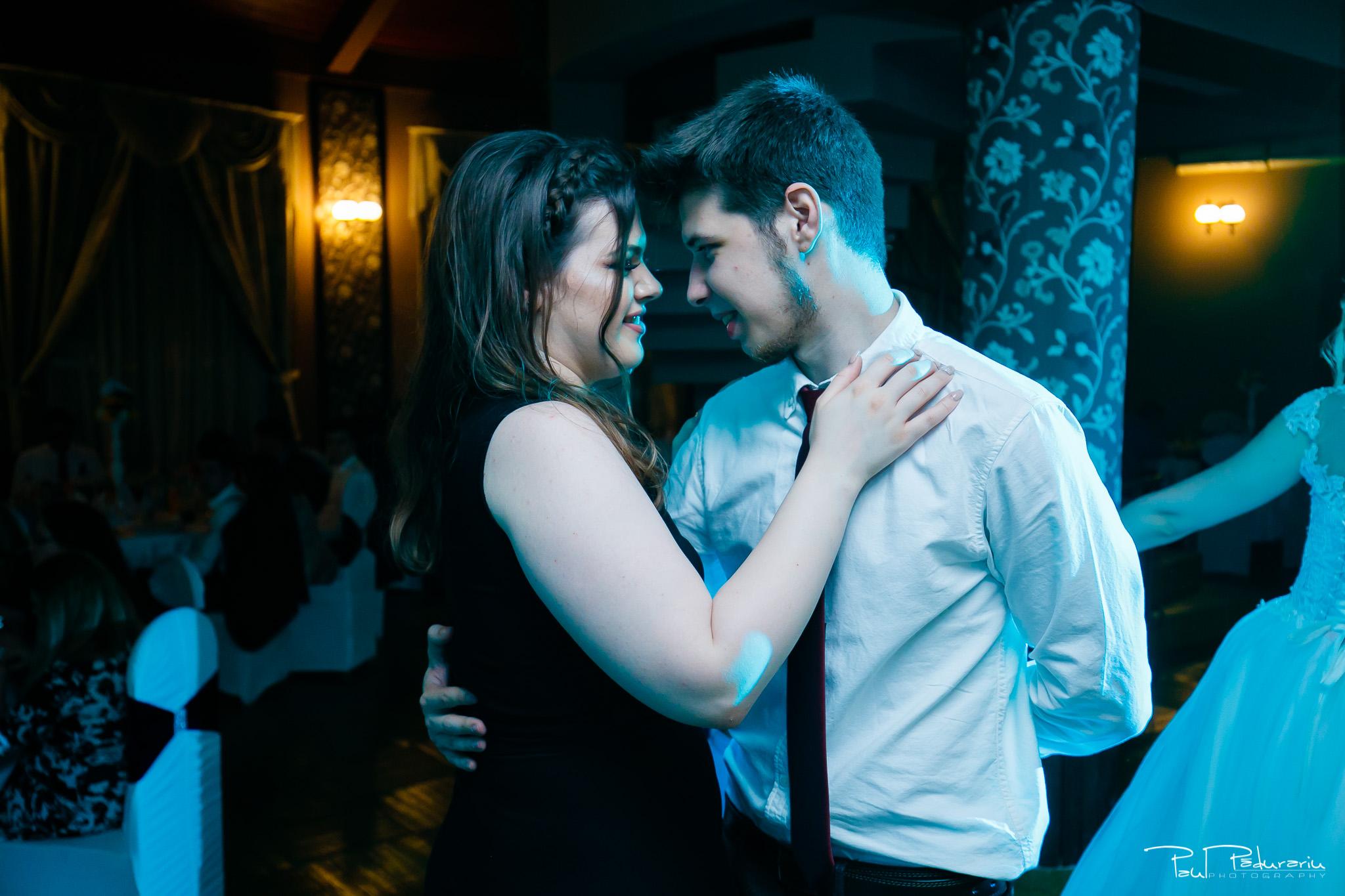 Anca si Razvan petrecere restaurant American Iasi - Paul Padurariu fotograf profesionist nunta iasi www.paulpadurariu.ro © 2018 Paul Padurariu 8