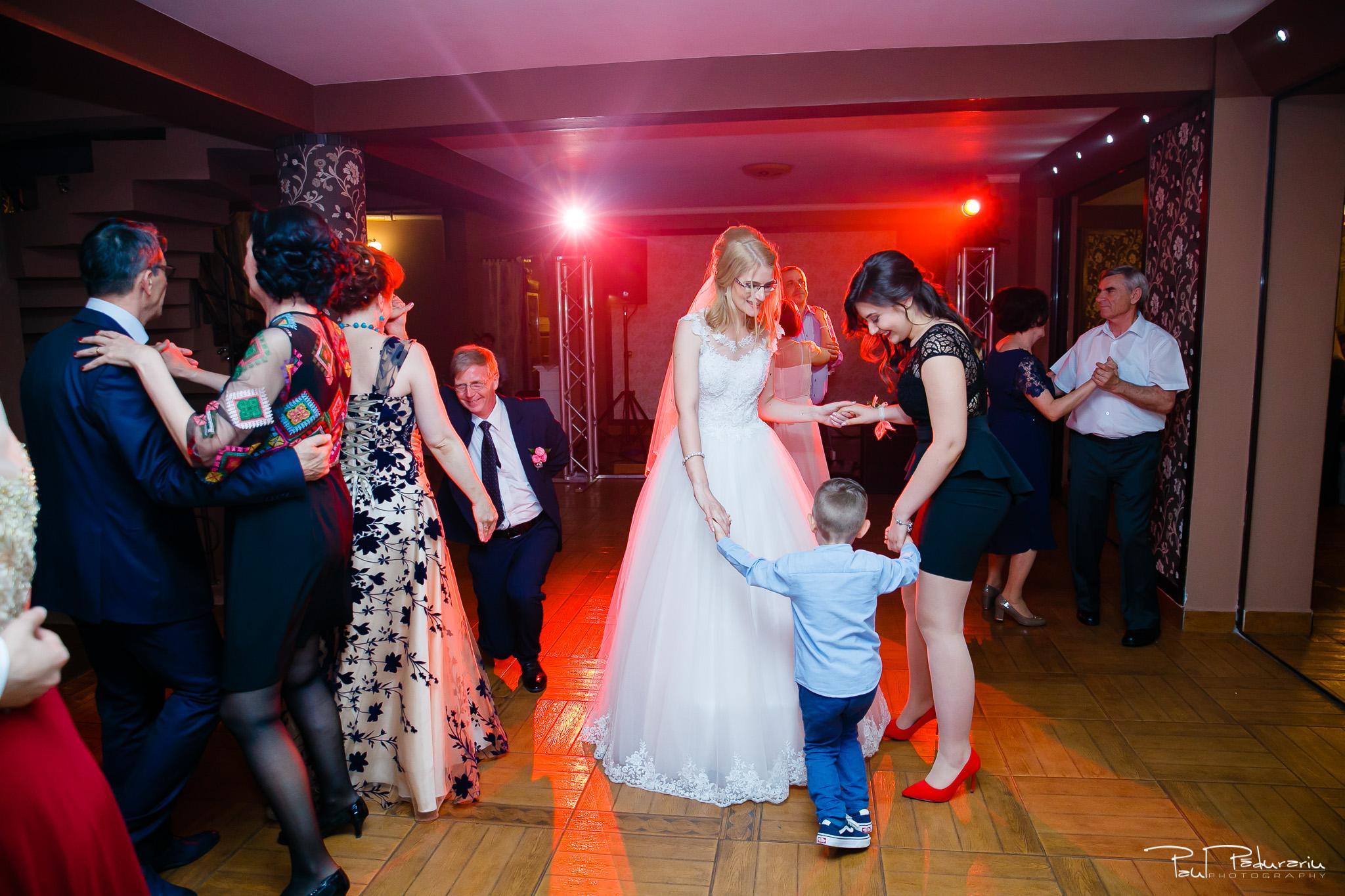 Anca si Razvan petrecere restaurant American Iasi - Paul Padurariu fotograf profesionist nunta iasi www.paulpadurariu.ro © 2018 Paul Padurariu 1