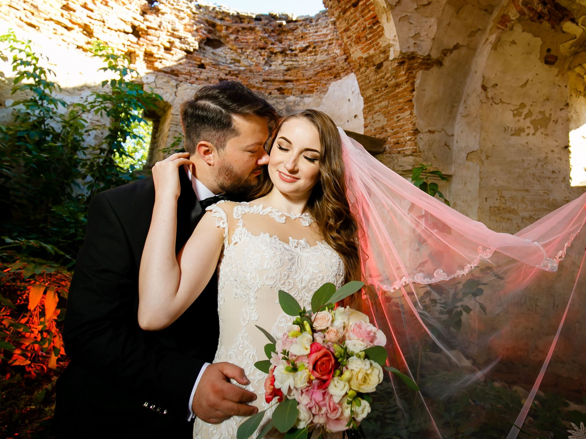 Larisa si Vlad - Nunta la Unirea - fotograf nunta iasi   fotograf profesionist Paul Padurariu 35