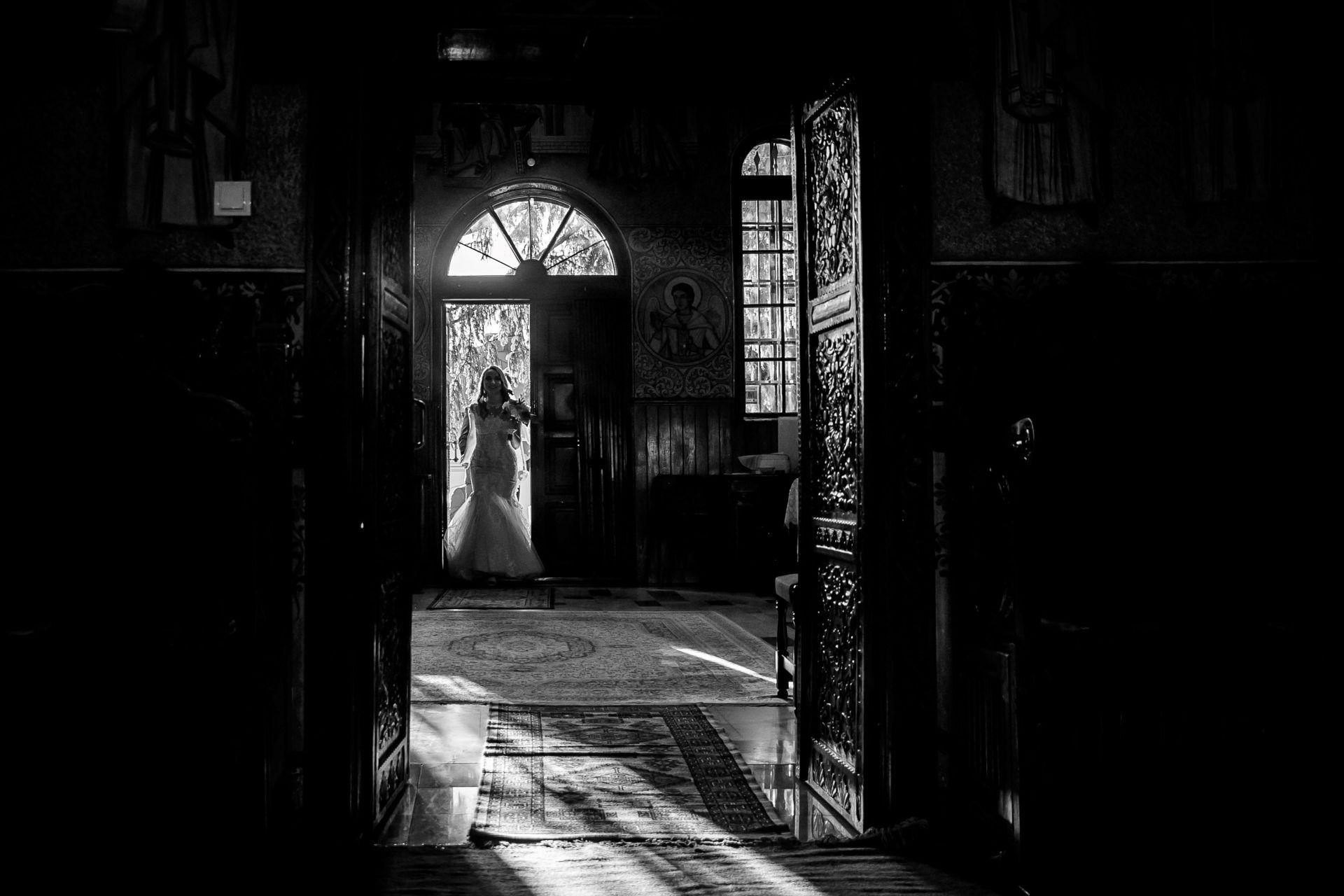 Larisa si Vlad - Nunta la Unirea - fotograf nunta iasi   fotograf profesionist Paul Padurariu 32