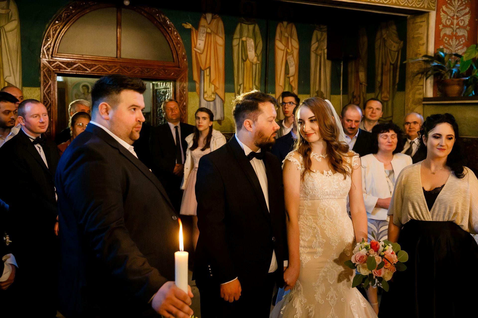 Larisa si Vlad - Nunta la Unirea - fotograf nunta iasi | fotograf profesionist Paul Padurariu 29