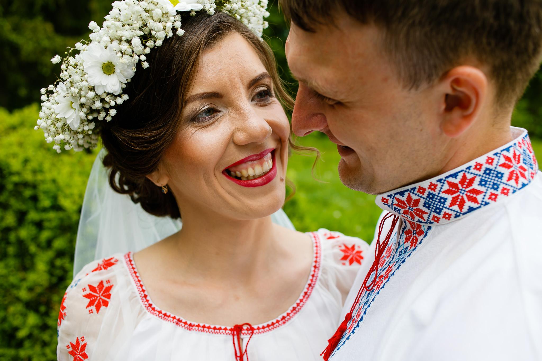 Nuntă tradițională Elisabeta și Alexandru fotograf profesionist nunta Iasi www.paulpadurariu.ro © 2018 Paul Padurariu fotograf de nunta Iasi sedinta foto miri 5