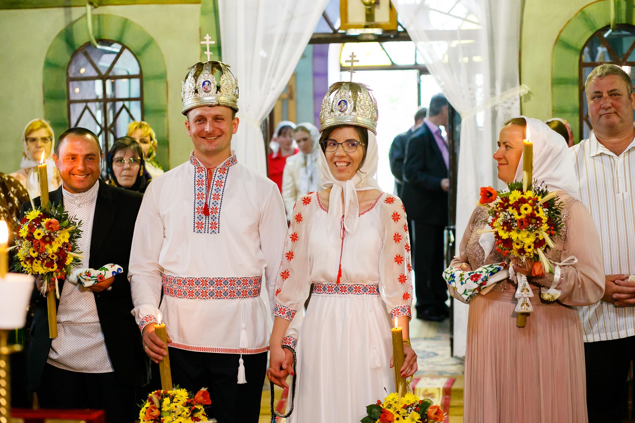 Nuntă tradițională Elisabeta și Alexandru fotograf profesionist nunta Iasi www.paulpadurariu.ro © 2018 Paul Padurariu fotograf de nunta Iasi cununia religioasa 8