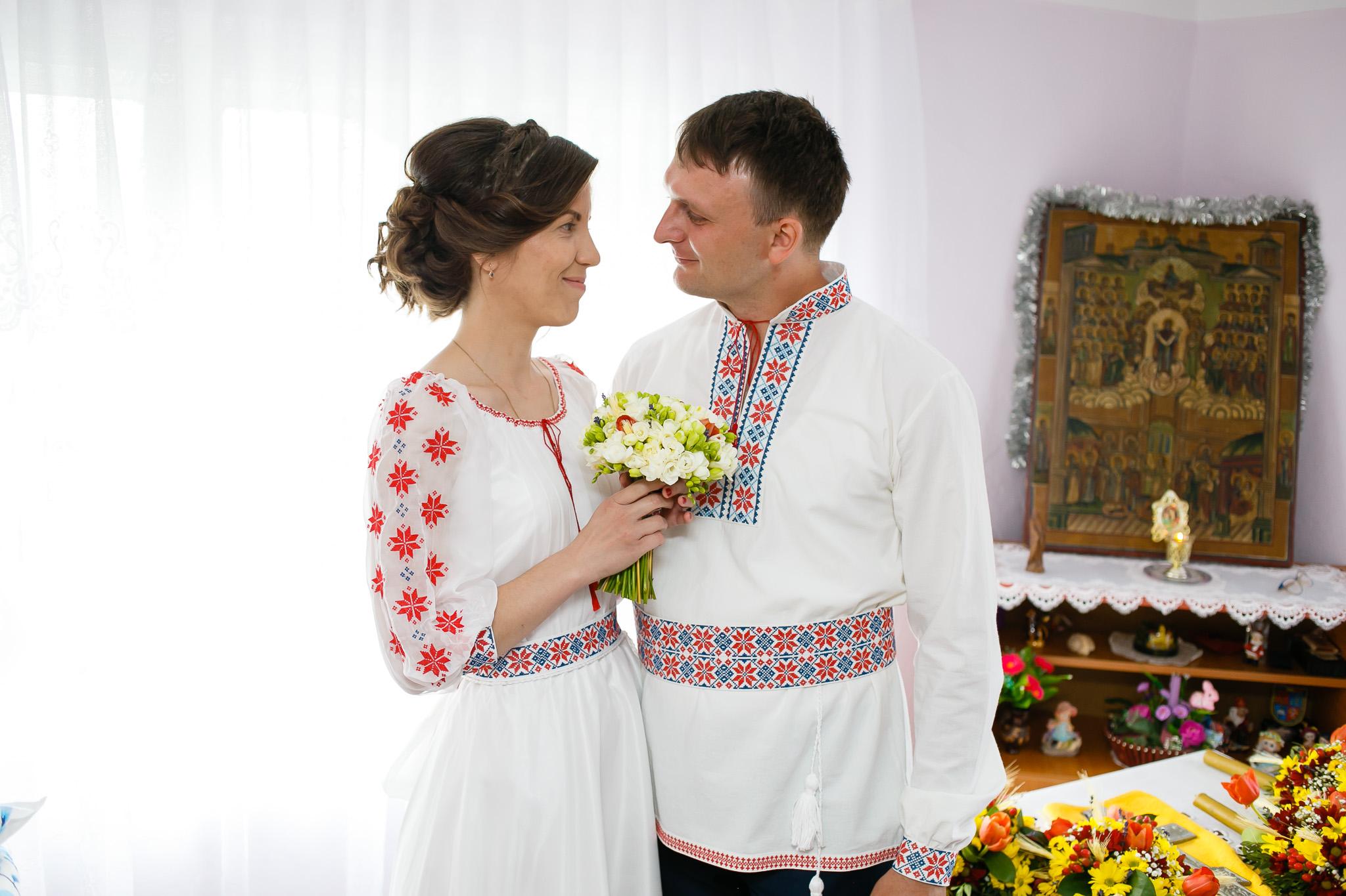 Nuntă tradițională Elisabeta și Alexandru fotograf profesionist nunta Iasi www.paulpadurariu.ro © 2018 Paul Padurariu pregatiri miri 4