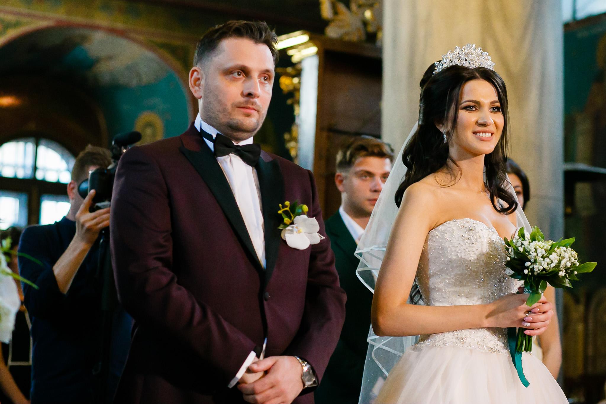 Larisa si Bogdan Nuntă la Pleiada fotograf profesionist nunta Iasi www.paulpadurariu.ro © 2018 Paul Padurariu cununia religioasa 7