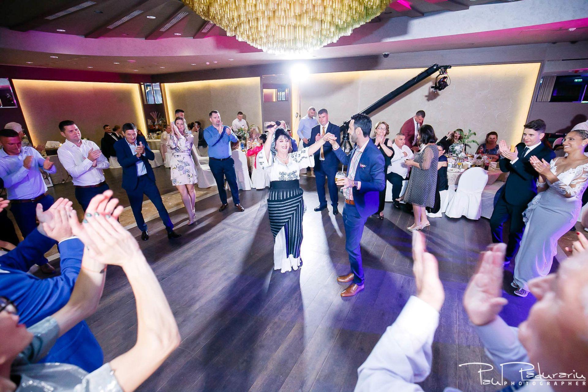 Andrei si Michaela petrecere miri nunta Congress Hall Iasi | fotograf nunta Iasi Paul Padurariu 16