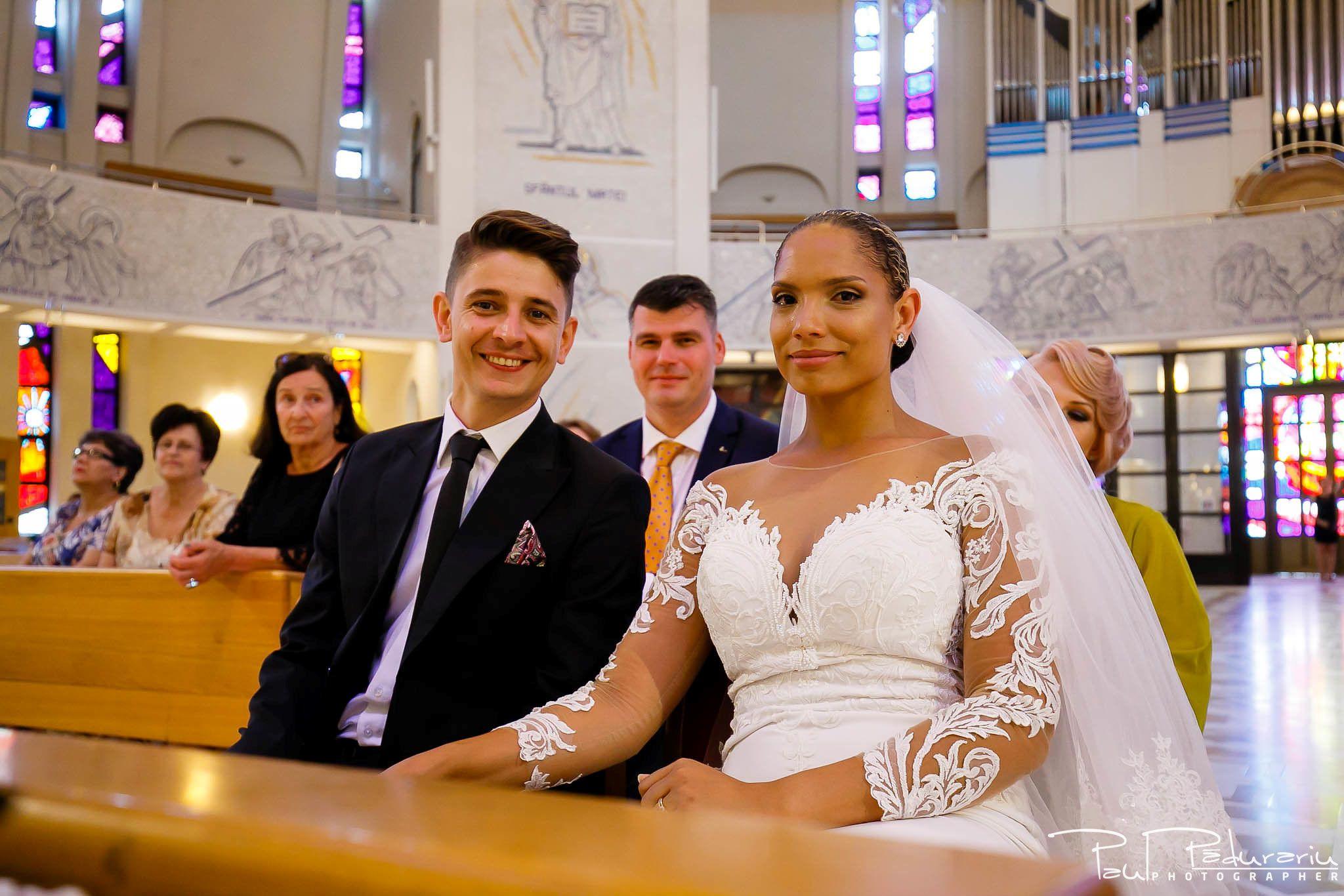 Andrei si Michaela cununia religioasa Catedrala Sfanta Fecioara Maria, Regina | fotograf nunta Iasi Paul Padurariu 10