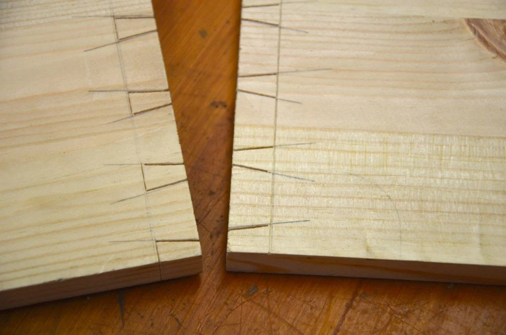 Making the Toolbox - Pare and Chop Dovetails and Pins